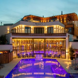 Transom facade, Ortner´s Resort