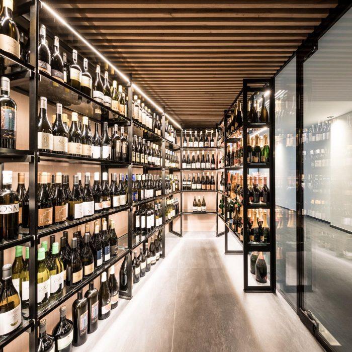 Weinschrank, Hotel Weinegg