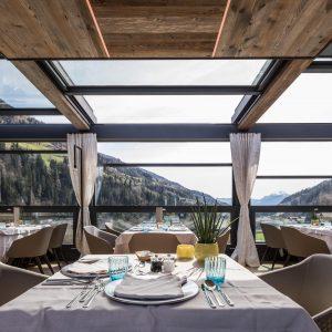 Automatische Fassadenöffnung, Hotel Quellenhof