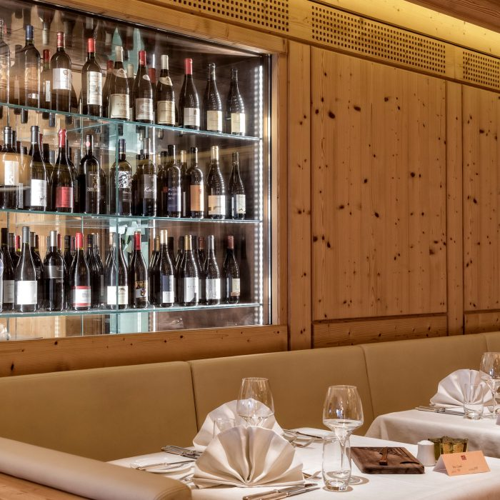 Weinschrank, Adler Dolomiti