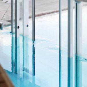 Schwimmbadschleuse, Hotel Falzeben
