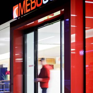 Linear sliding door, Mebosud