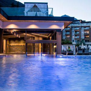 Schwimmbadschleuse, Hotel Quellenhof