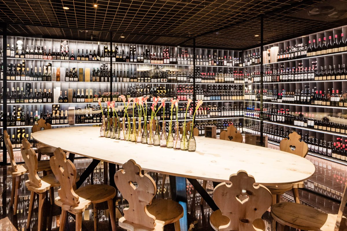 Weinschrank 2, Valserhof