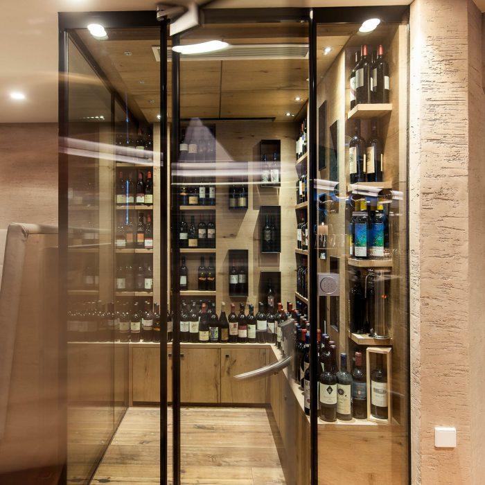 Wine cabinet, Quellenhof