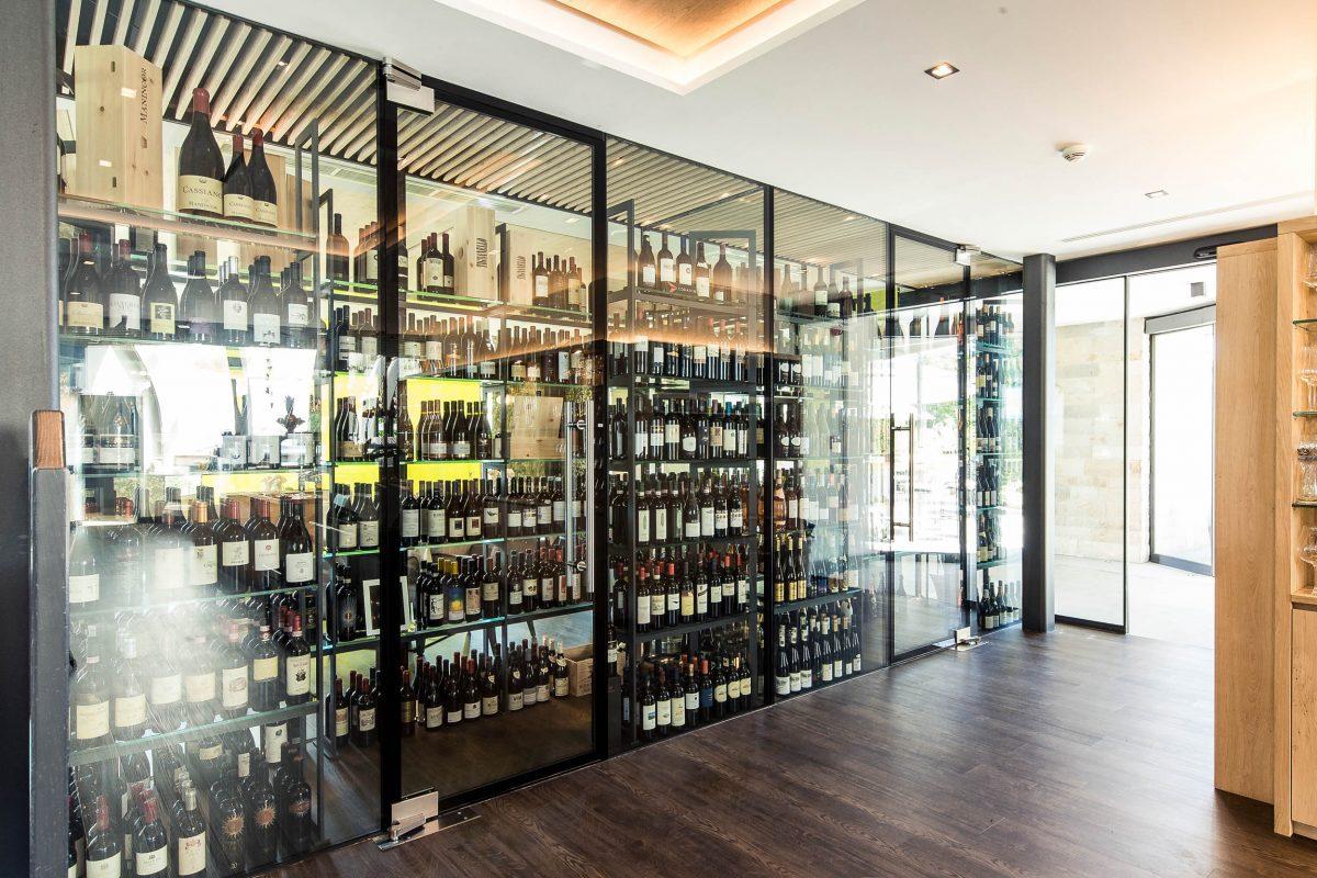 Wine cabinet, Weinegg