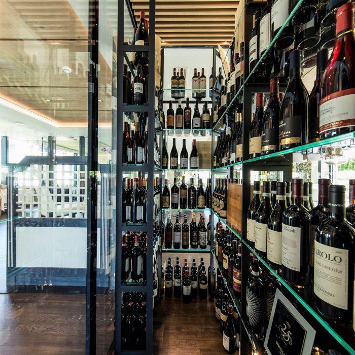 Weinschrank, Weinegg