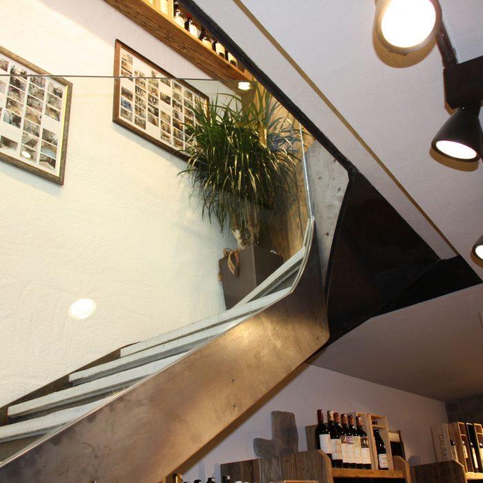 Glas-Stahltreppe, Avesani