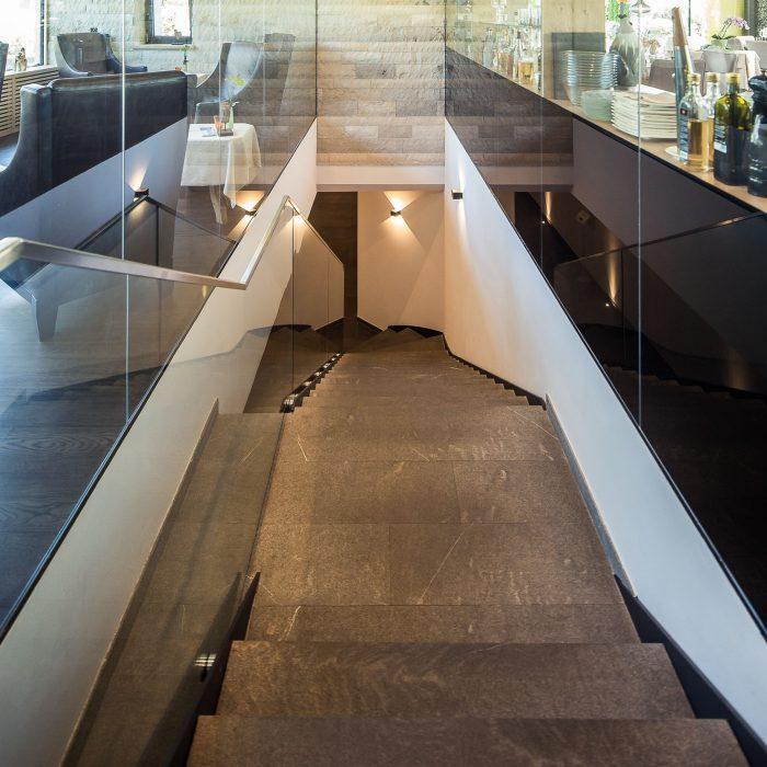 Glas-Stahltreppe, Hotel Weinegg