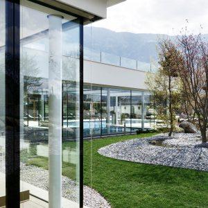 Rahmenlose Verglasungen, Hotel Hanswirt