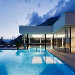 Frameless glazing, Hotel Hanswirt