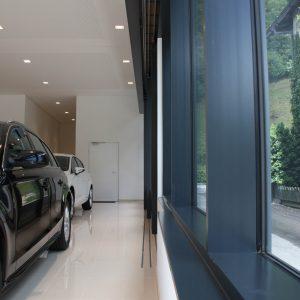 Panoramaöffnung, Autohaus