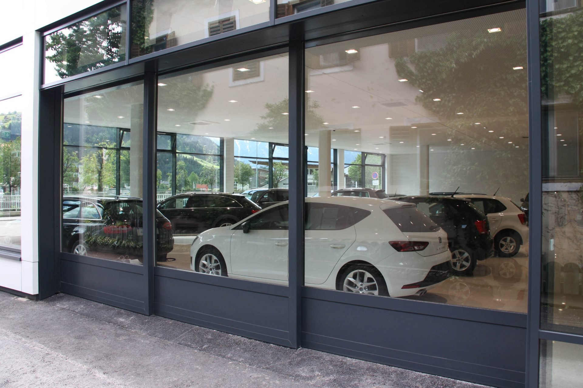 Panorma Openings Automatic Doors Glass And Metal Facade