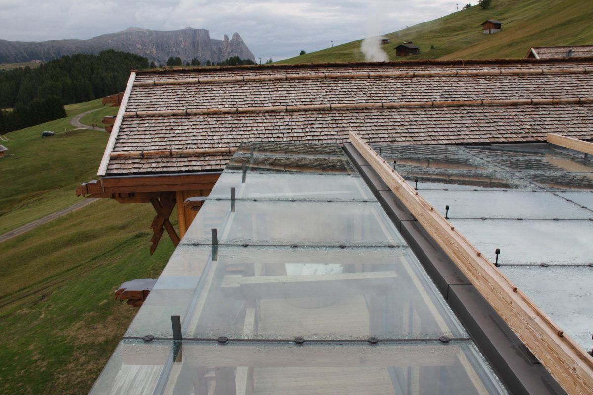 Panoramic sliding windows, Adler Mountain Lodge