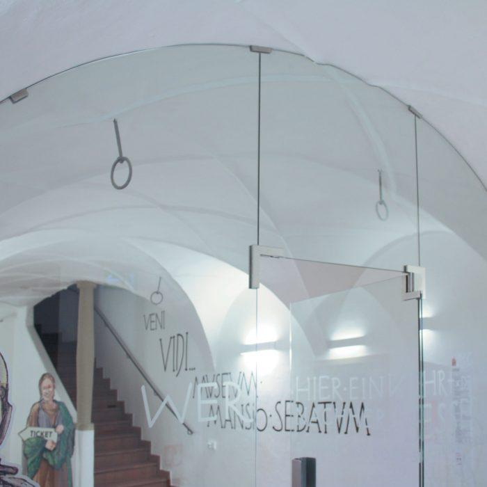 Glastrennwand, Altes Rathaus St. Lorenzen