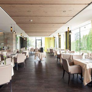 Automatische Fassadenöffnung, Hotel Weinegg