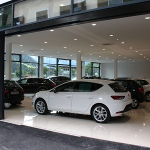 Automatic façade opening, Autohaus