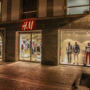 Porta per punto vendita, H&M Bolzano