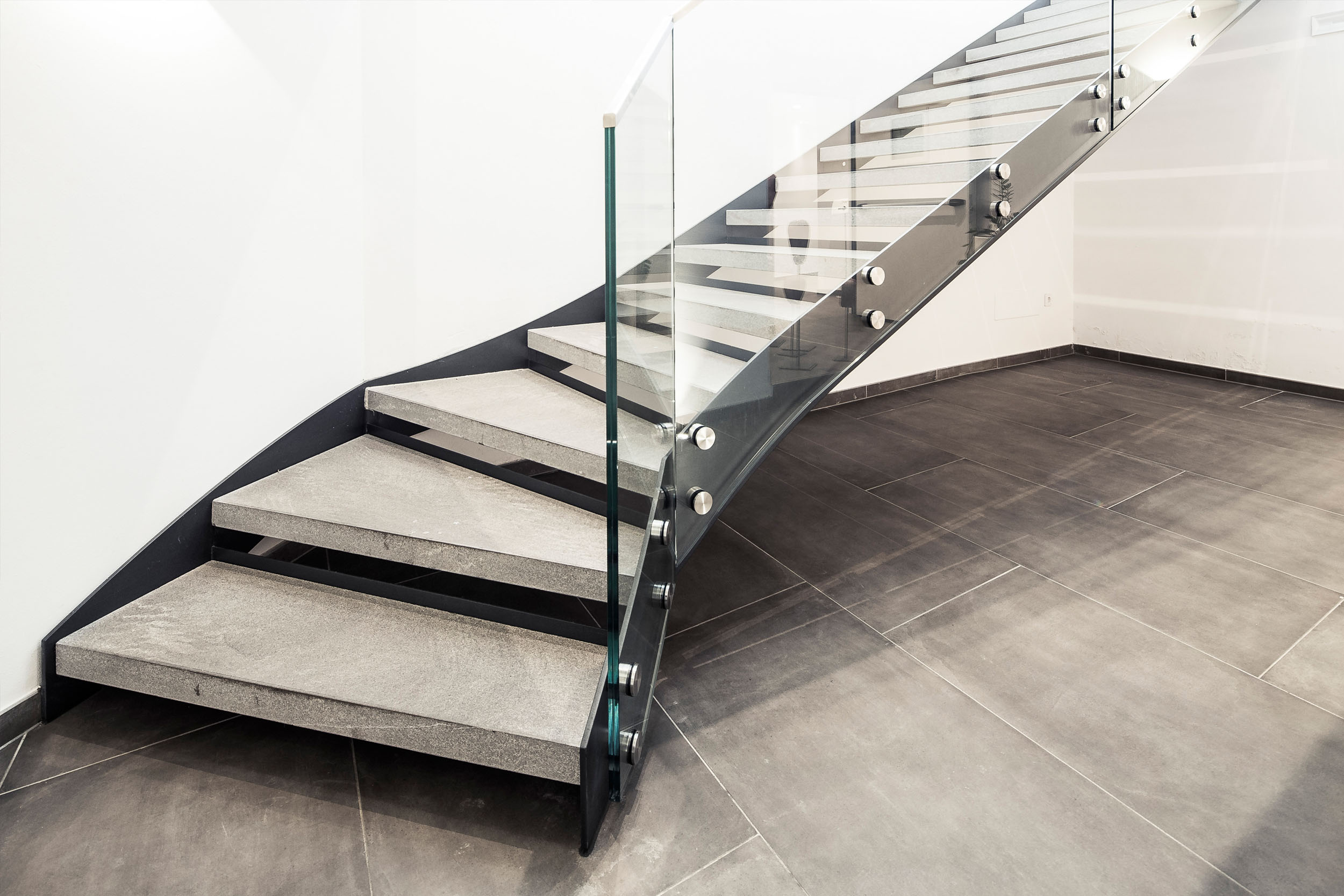 glas und metallkonstruktionen automatische t ren glas und metall fassadentechnik textile. Black Bedroom Furniture Sets. Home Design Ideas