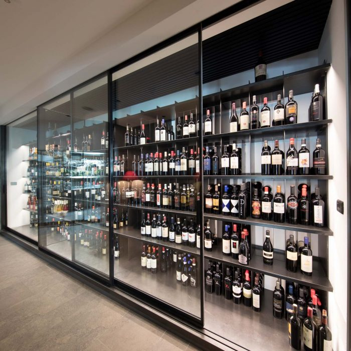Wine cabinet, Alpenschlössl (Quellenhof)