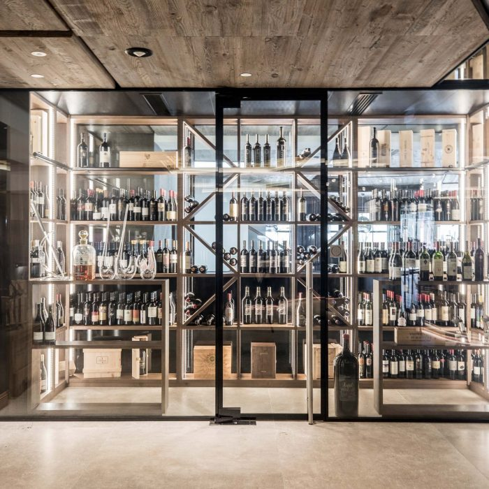 Weinschrank, Quellenhof