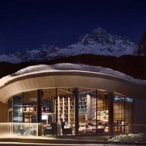 Obereggen Lounge, Sunscreen facade with panic revolving door