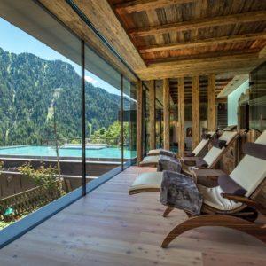 Uhrerhof, Glazing